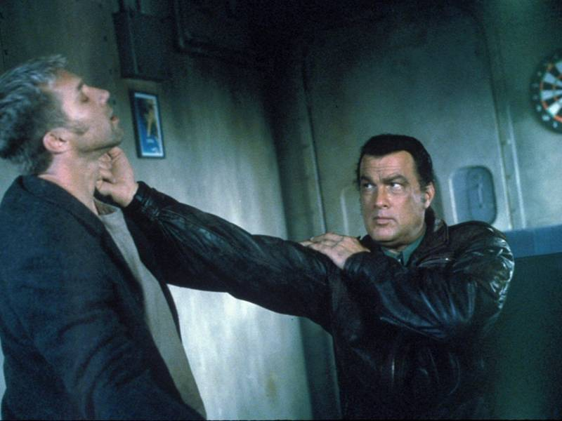 DHS-_Gary_Daniels_&_Steven_Seagal_in_Submerged_(2005).jpg